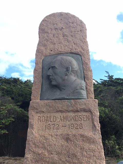 Amudsen monument