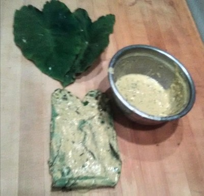 (2) Patra leaves stacked with batter
