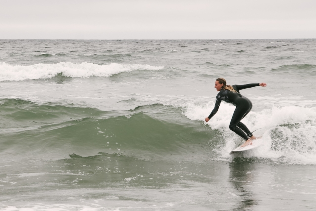 Surfer emma_stone photo becky action